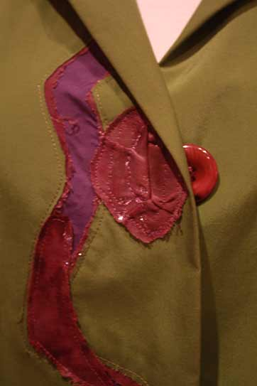 green-wearable-art-coat-buttons, Koos van Akker buttonholes