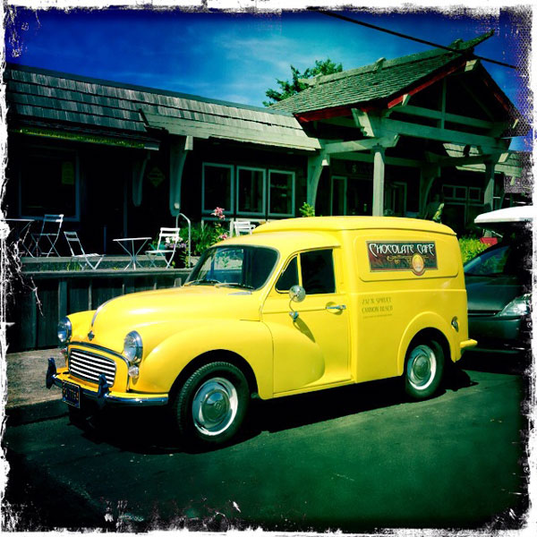 antique-yellow-truck