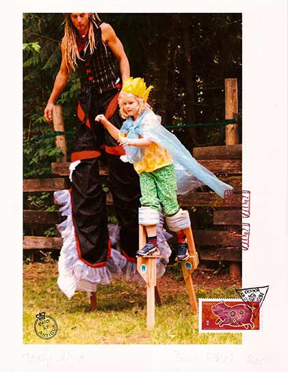girls-stiltwalking-circus-photography2