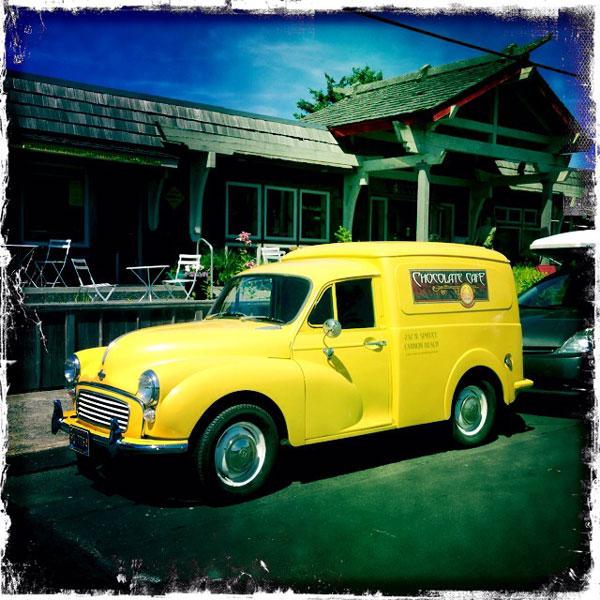 antique-yellow-truck